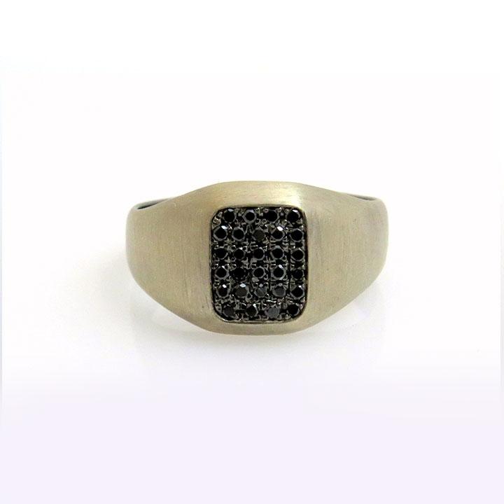 טבעת זרת שחורה