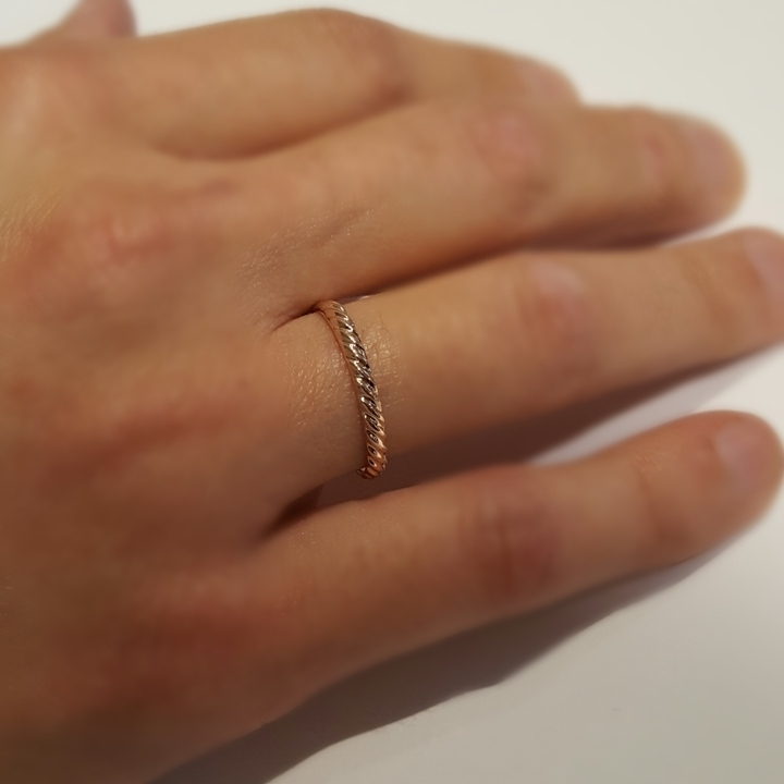 טבעת נישואין מפותלת זהב אדום