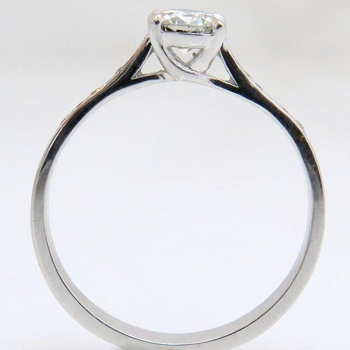 טבעת אירוסין קלאסית מסוג solitaire