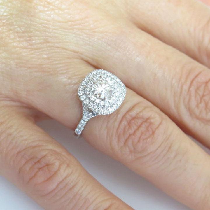 טבעת אירוסין מסוג Halo