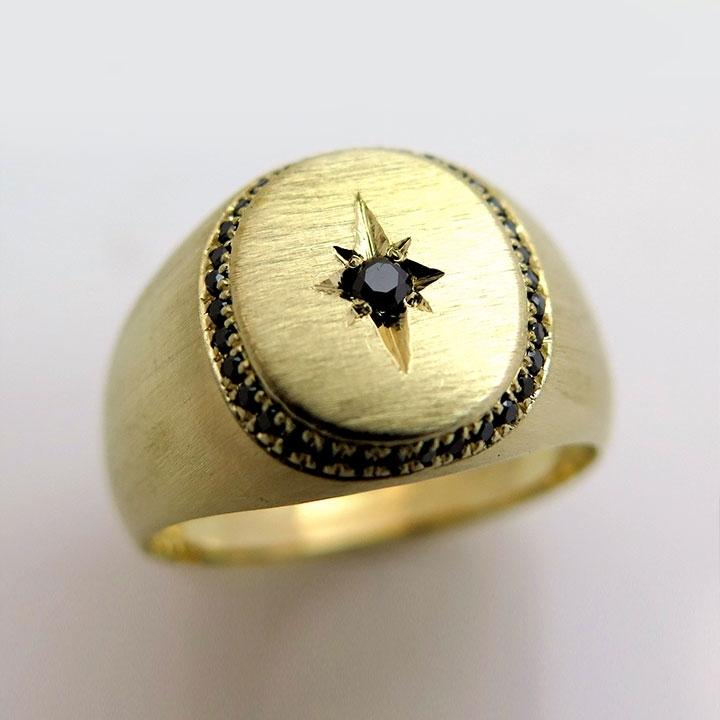 טבעת עם חותמת חרוטה