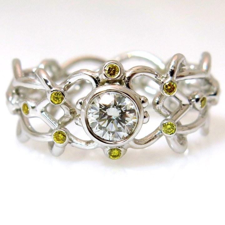 טבעת אירוסין מיוחדת זהב לבן 18 קרט מסוג פליגרן