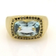 טבעת חותם משובצת באבן תרשיש (Aquamarine) ויהלומים שחורים